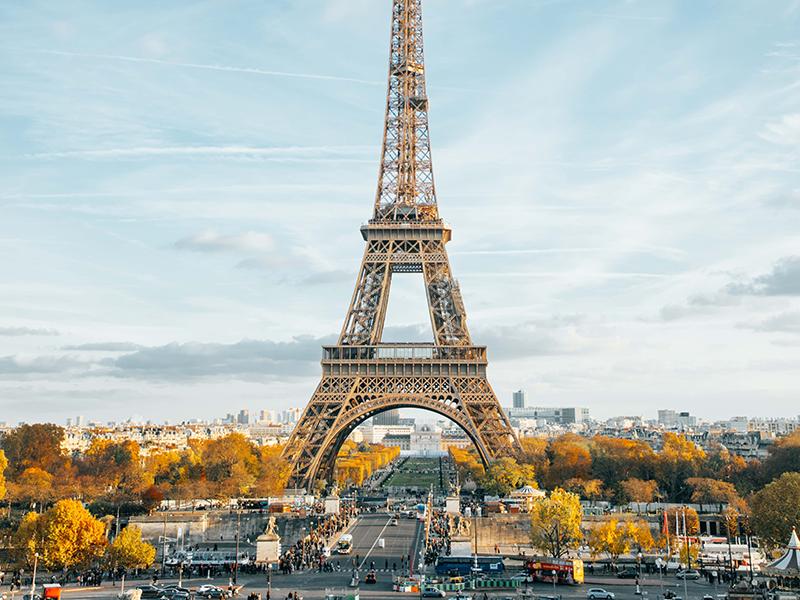 PARIS:  Uma viagem para a cidade luz.